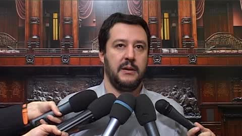 """Referendum bocciato, Salvini: """"Vaffa... Non finisce qui"""""""
